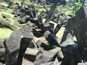 Tumpukan batu megalitikum di G.Padang (foto:hendijo)
