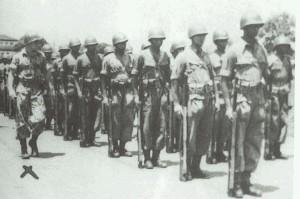 SILIWANGI BULE. Saat menjadi komandan kompi Pasukan Istimewa Siliwangi pada 1950 (foto:dokumenkeluarga)