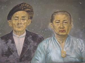 SESEPUH DESA GASOL. lukisan Hajah Maing dan suaminya (foto:hendijo)
