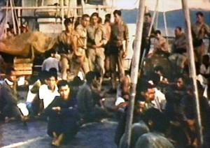 Tawanan dari KRI Macan Tutul di kapal perang Belanda (foto:koninklijkemarine)